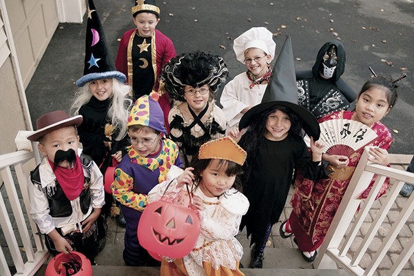 The Leeds Area Chamber of Commerce announces their Annual Leeds Downtown Trick r' Treat scheduled for Halloween afternoon – Friday, October 31, 2014 from 3:00 PM to 5:00 PM.