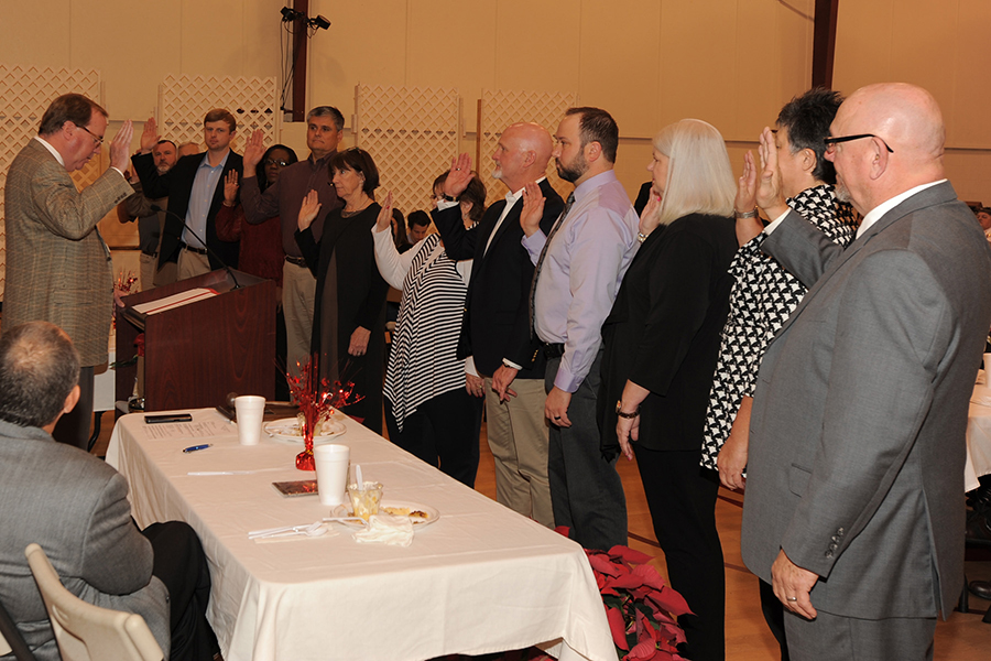 Swearing In of 2018 Board of Directors by Judge Cliff Price - Leeds Area Chamber of Commerce